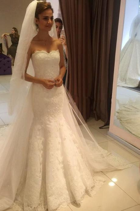 Strapless Sweetheart Lace Appliqués Beaded Mermaid Wedding Dress with Long Train