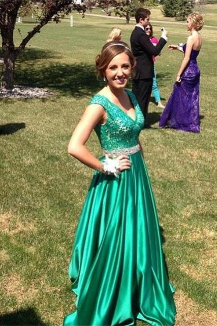 Prom Dress,Sexy Green Prom Dresses,V neckline Prom Dress,Sexy Prom Dress,Hunter Green Prom Dresses,Formal Gown,Lace Evening Gowns,Taffeta Party Dress,Prom Gown For Teens, Formal Occasion Dresses,Formal Dress