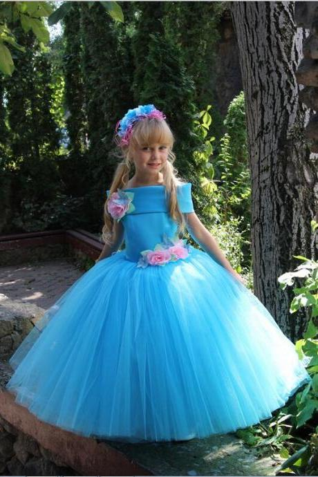 New Fashion White Flower Girl Dresses With Flowers Cap Sleeve Blue Ball Gowns Custom Made Custom Made Floor Length Gowns